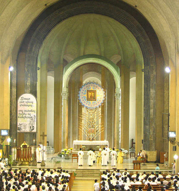 Baclaran-Church INSIDE_Fotor
