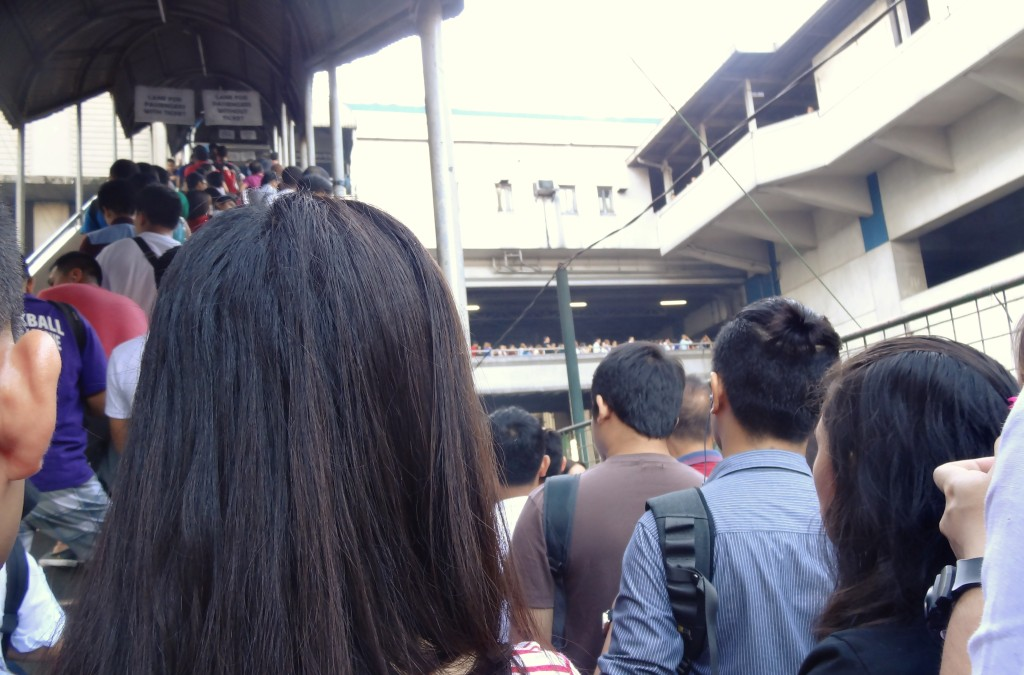 フィリピン 電車