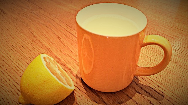 lemon-tea-655914_640_Fotor