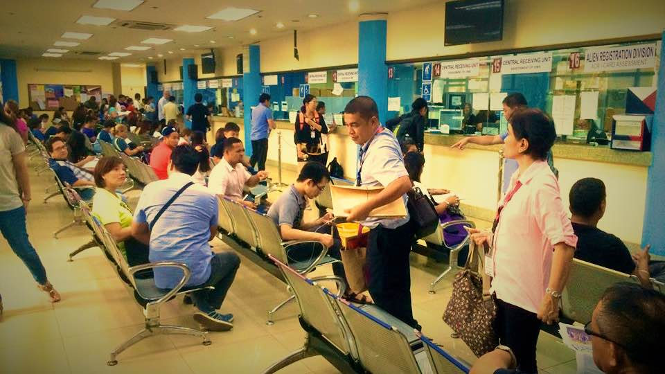フィリピン・移民局・画像_Fotor