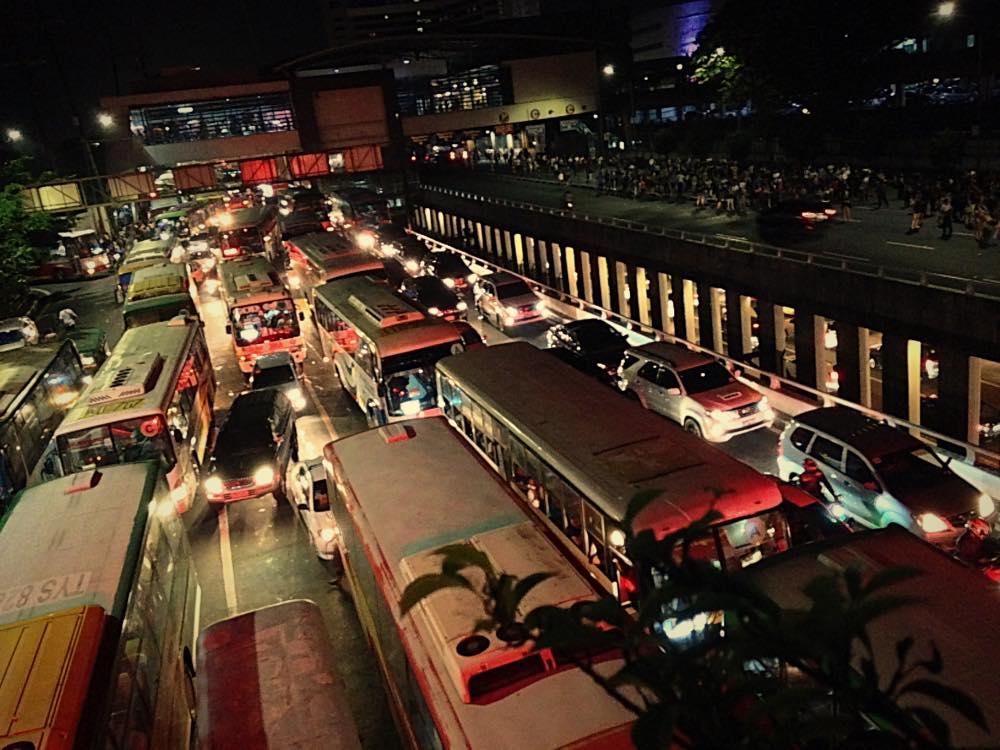 フィリピン・渋滞・原因・対策