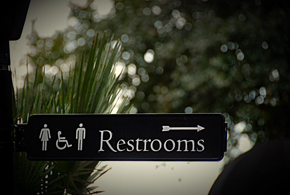 トイレへの矢印